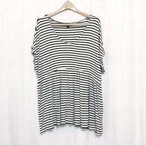 Torrid size 3 short sleeve striped baby doll top